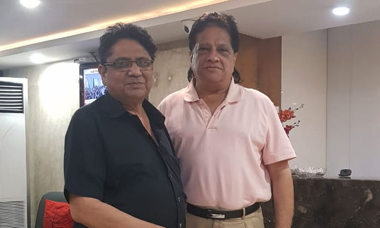 Playback singer Anwar Hussain staying at Samilton Hotel