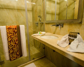 samilton-hotel-Superior-Bathroom-8
